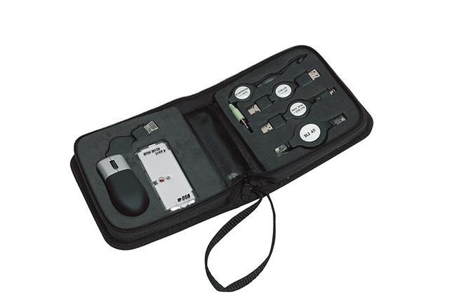 Мултифунционален комплект в калъф - оптична мишка | 4 портов USB slim hub | 3 patch extensions | слушалки с микрофон