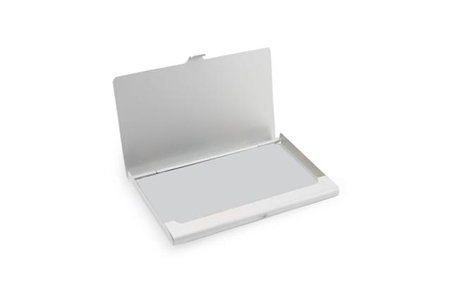 Компактна алуминиева кутия за визитки