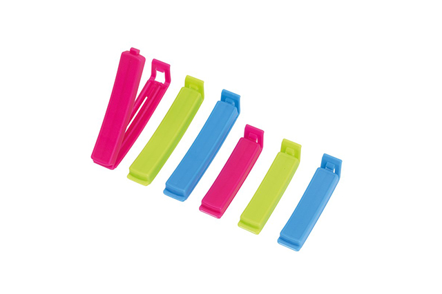 Комплект от пластмасови щипки
